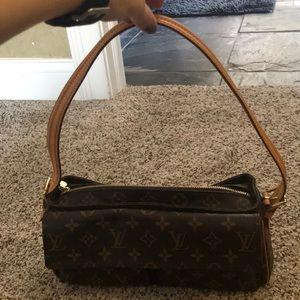 Louis Vuitton Shoulder Bag. Authentic